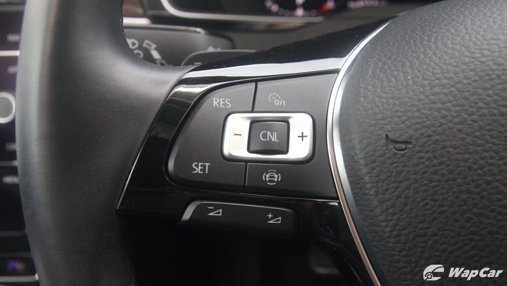 2018 Volkswagen Passat 2.0 TSI Highline Interior 009