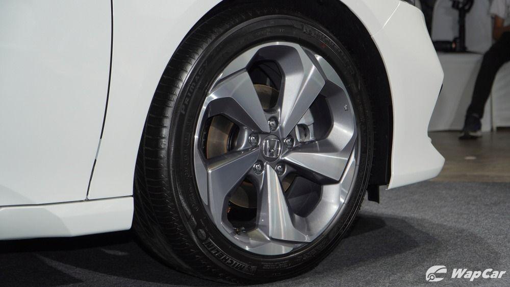 2020 Honda Accord 18-inch wheels