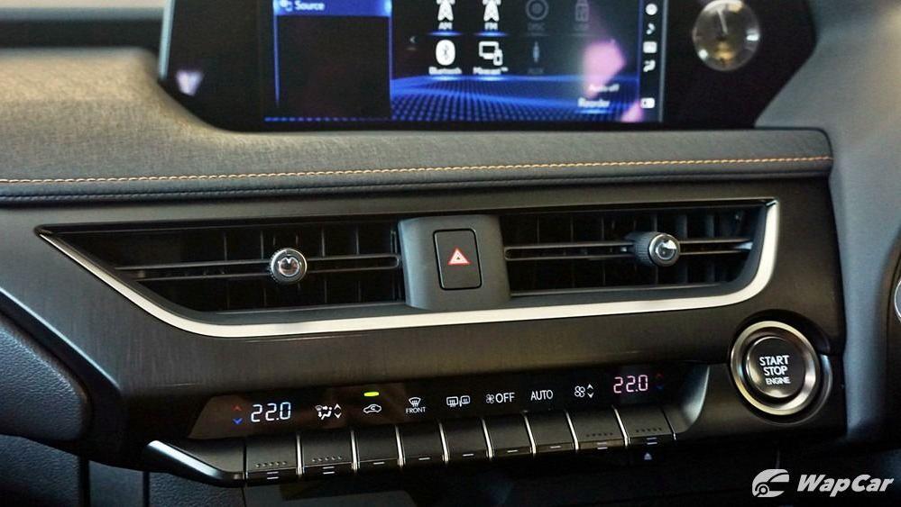 2020 Lexus UX 200 Luxury Interior 023