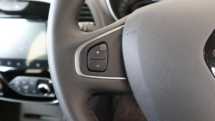 2017 Renault Captur TCe 120 EDC (CKD) Interior 007