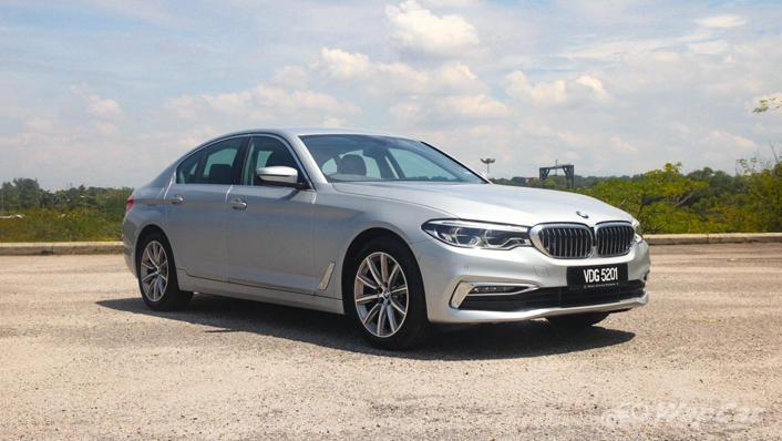 2019 BMW 5 Series 520i Luxury Exterior 003