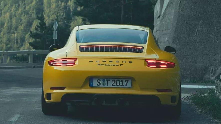 2018 Porsche 911 Carrera T Exterior 003