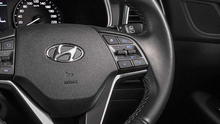 Hyundai Tucson (2018) Interior 003