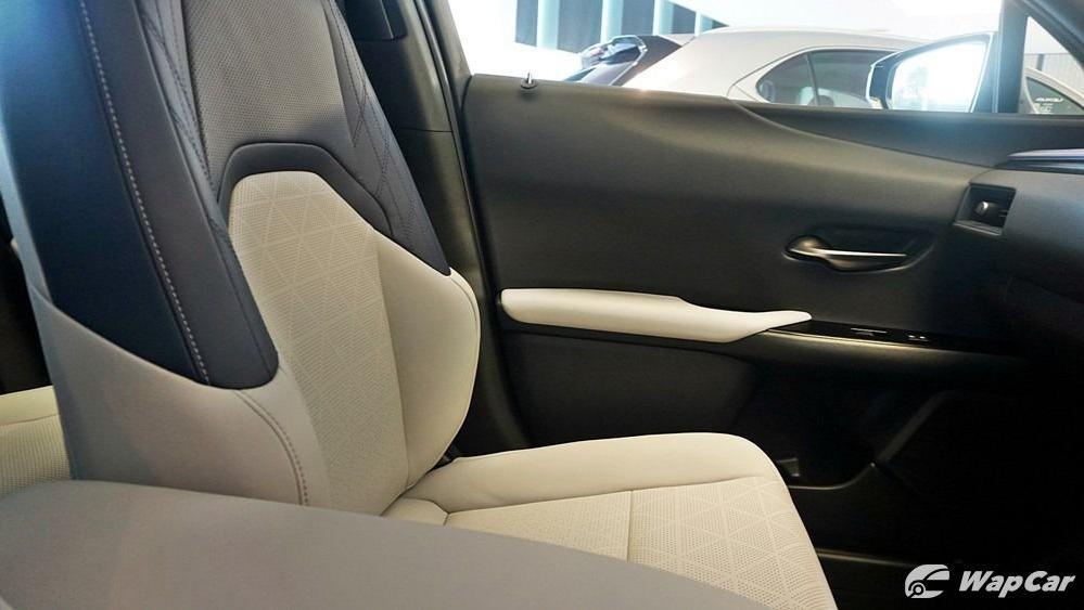 2020 Lexus UX 200 Luxury Interior 057