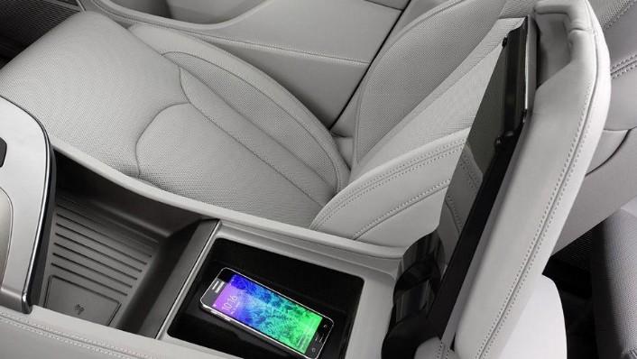 Audi Q7 (2019) Interior 009