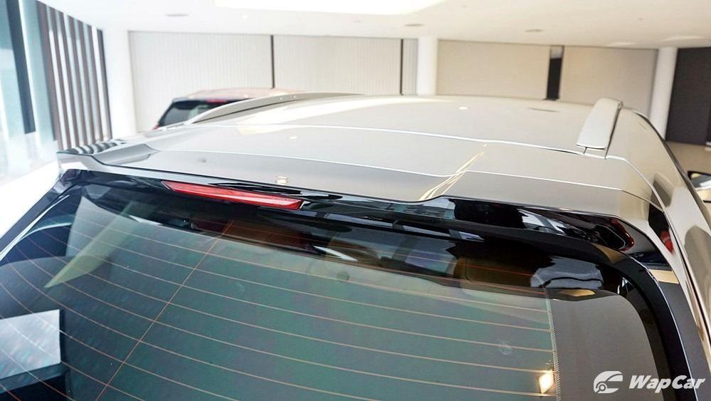2020 Lexus UX 200 Luxury Exterior 026