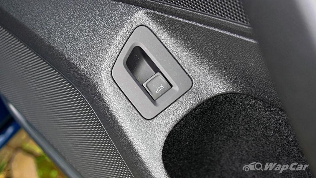 2020 Volkswagen Passat 2.0TSI Elegance Interior 065
