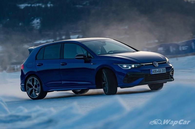 Volkswagen Golf R Mk8 gets Drift Mode like an AMG A45S 02