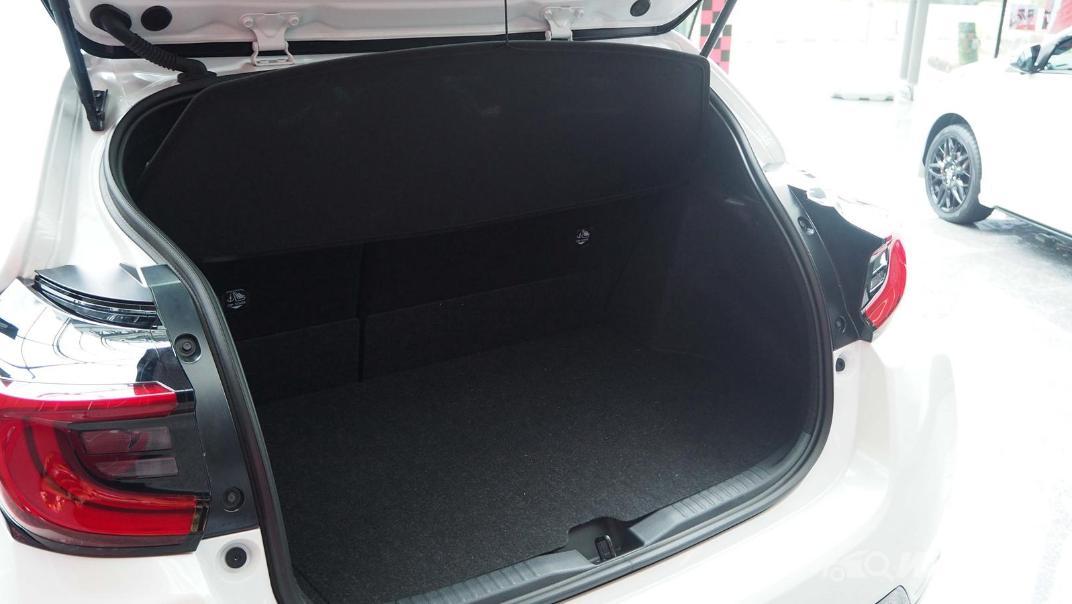 2021 Toyota GR Yaris Interior 035
