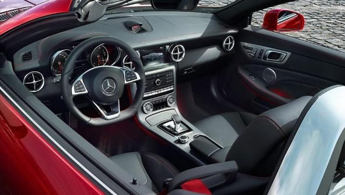 Mercedes-Benz SLC (2018) Interior 001