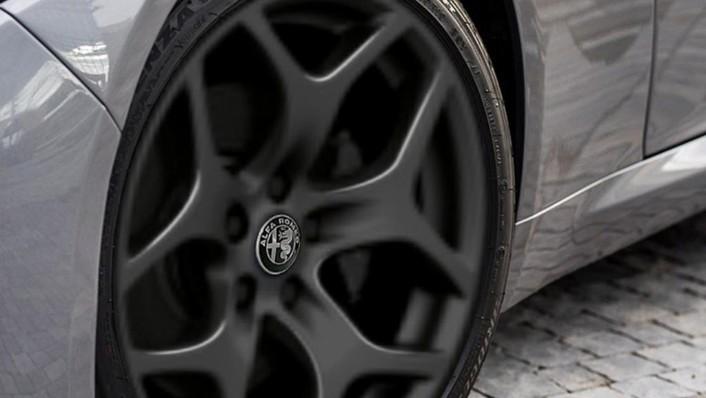 Alfa Romeo Giulia (2019) Exterior 006