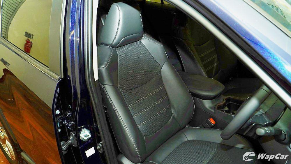 2020 Toyota RAV4 2.5L Interior 079