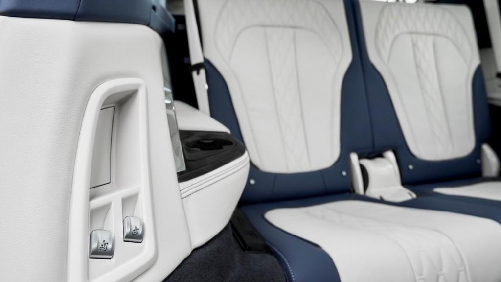 BMW X7 (2019) Interior 010