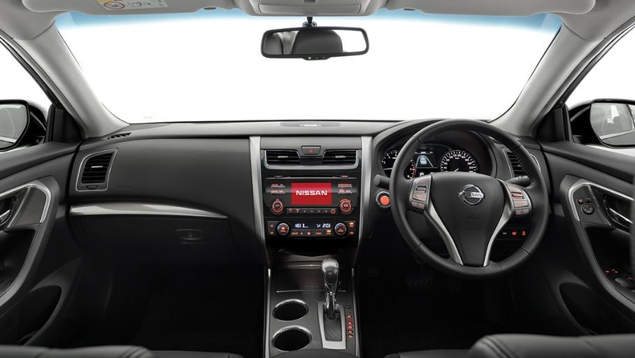Nissan Teana (2018) Interior 001