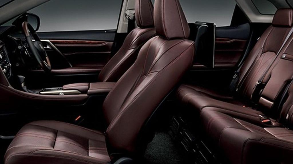 Lexus RX (2019) Interior 005