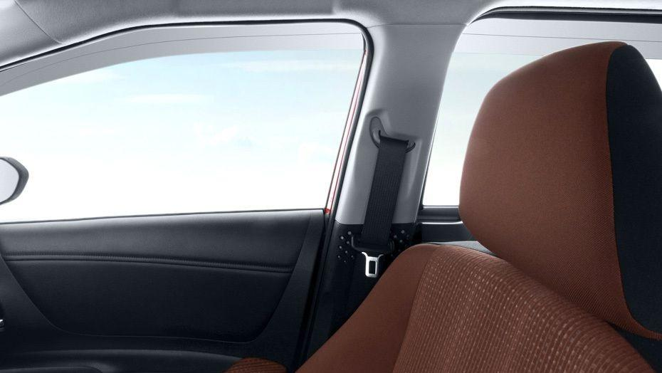 Toyota Sienta (2018) Interior 005