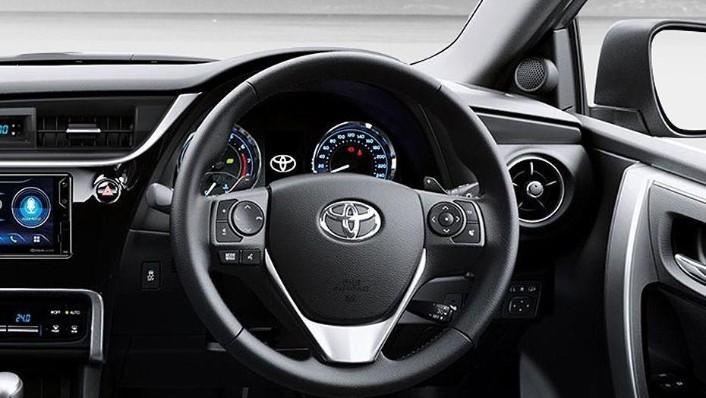 Toyota Corolla Altis (2018) Interior 002