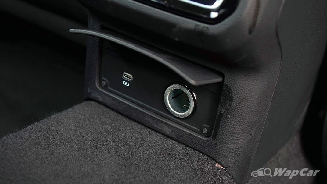 2020 Volkswagen Passat 2.0TSI Elegance Interior 036