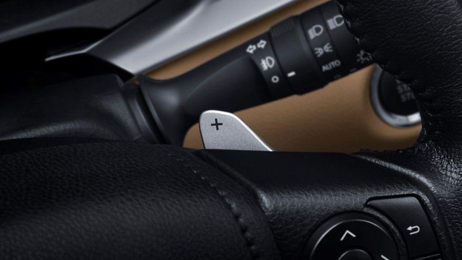 Toyota Yaris (2019) Interior 003