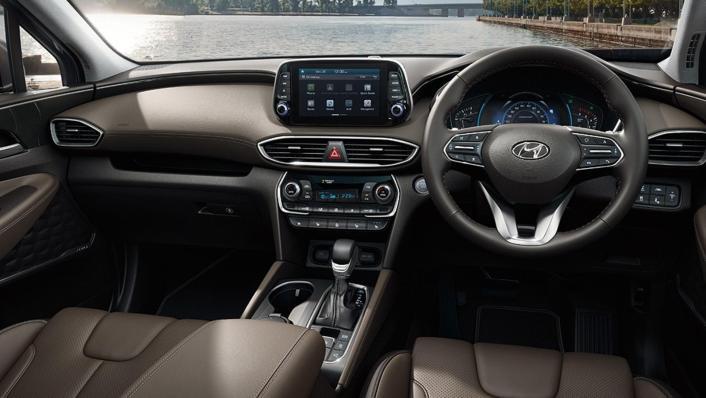 Hyundai Santa Fe (2019) Interior 001