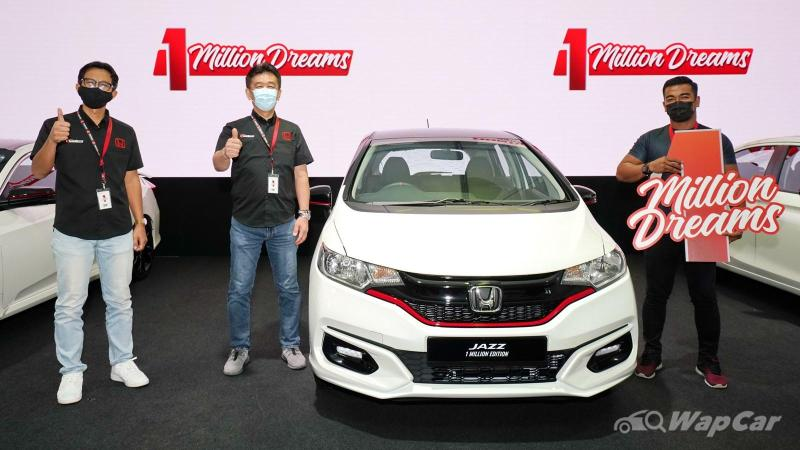 They shopped, they clicked, they won – 4 lucky winners received free Honda cars 02