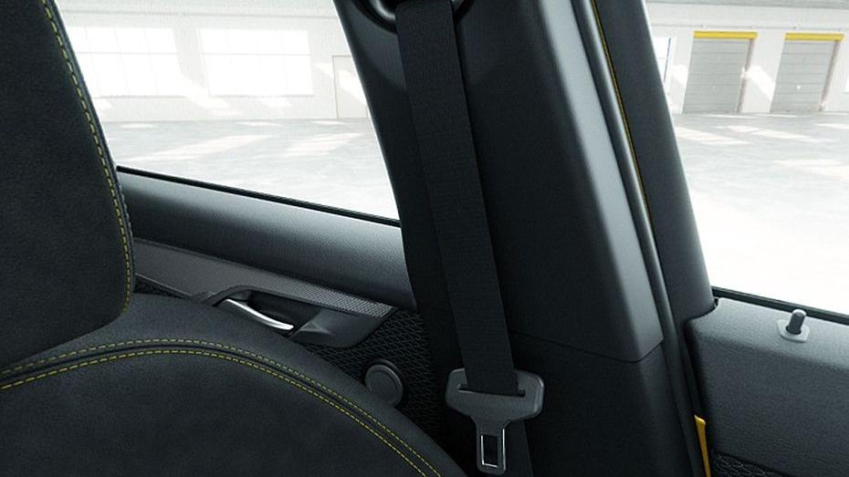 BMW X2 (2019) Interior 014