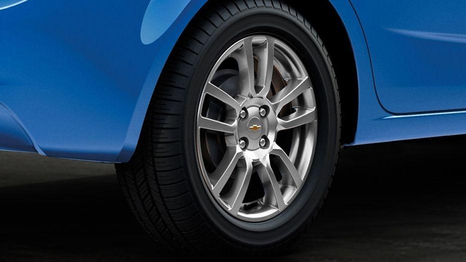 Chevrolet Sonic Sedan (2016) Exterior 007