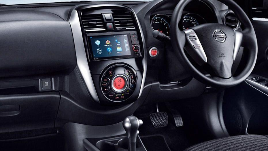 Nissan Almera (2018) Interior 001