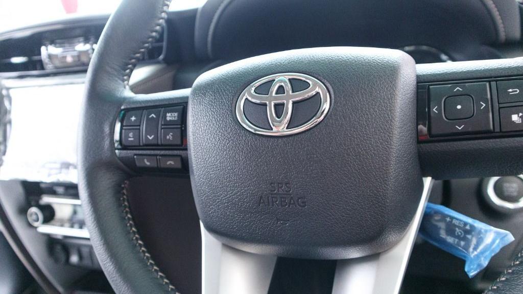 2018 Toyota Fortuner 2.7 SRZ AT 4x4 Interior 006