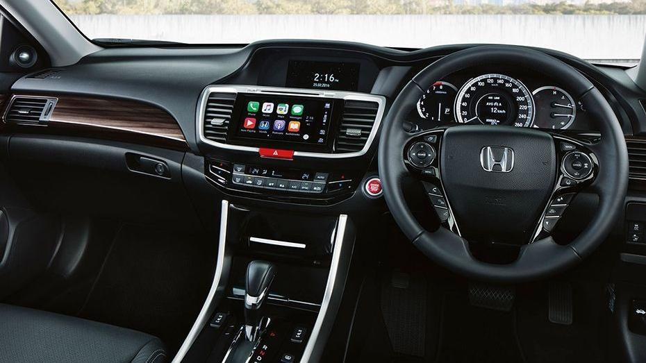 Honda Accord (2018) Interior 001