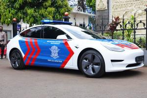 Tesla Model 3 joins Indonesian Police fleet in effort to promote EVs