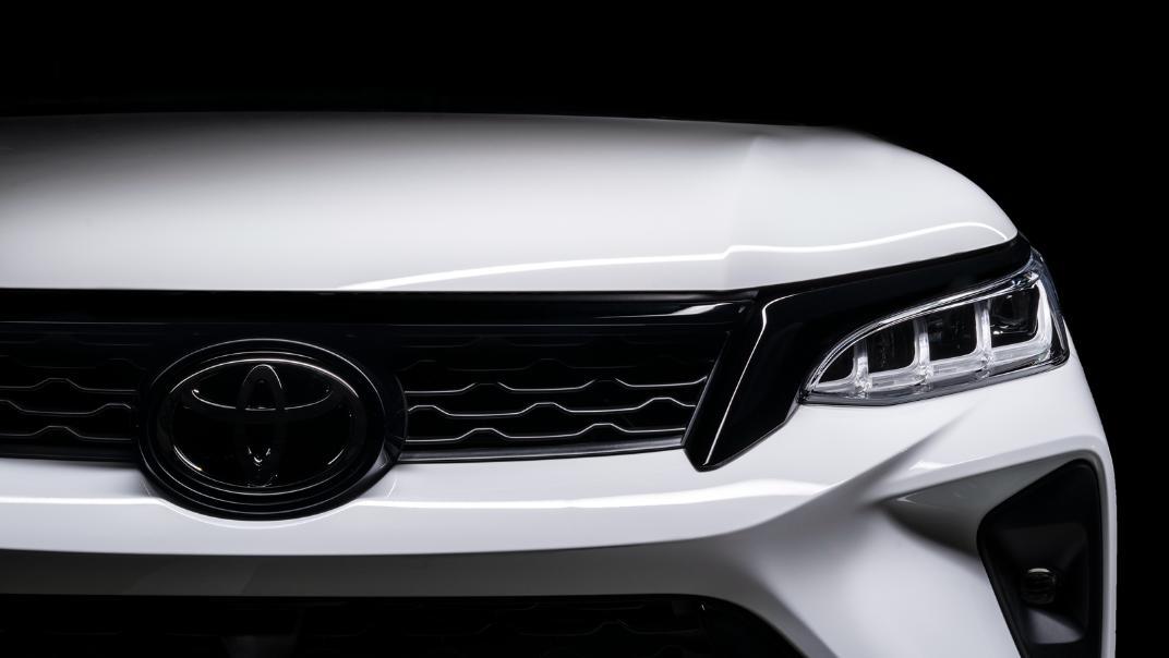 2021 Toyota Fortuner 2.8 VRZ AT 4x4 Exterior 011