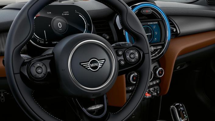 2020 Mini Convertible Cooper S Interior 003