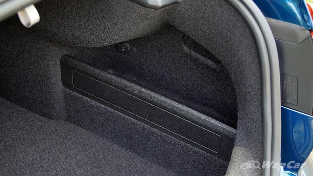2020 Volkswagen Passat 2.0TSI Elegance Interior 042