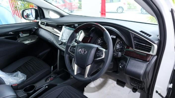 2018 Toyota Innova 2.0G (A) Interior 002