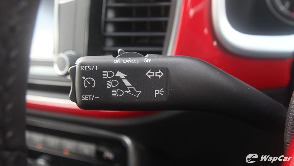 2018 Volkswagen Beetle 1.2 TSI Sport Interior 006