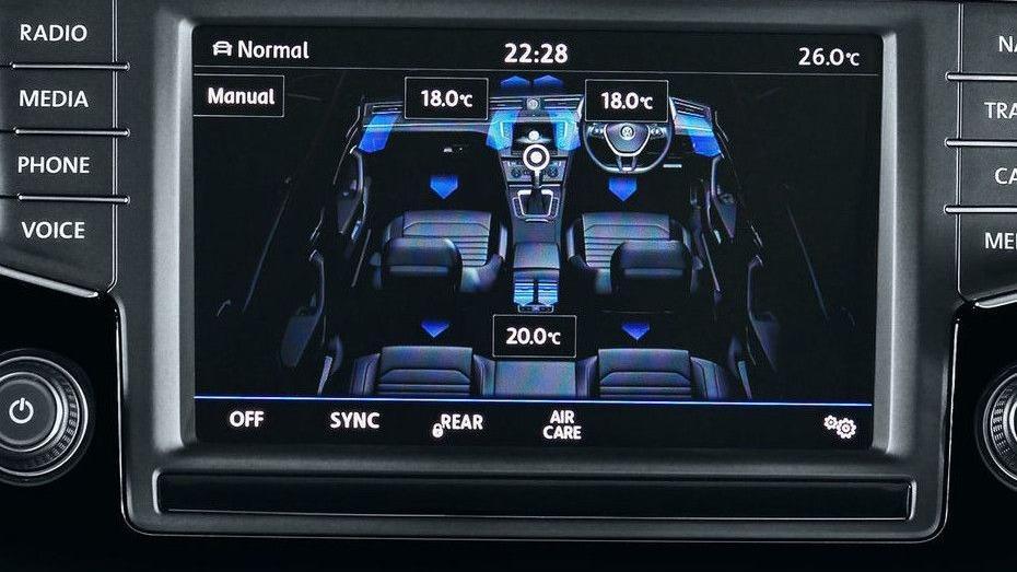 Volkswagen Passat (2018) Interior 006