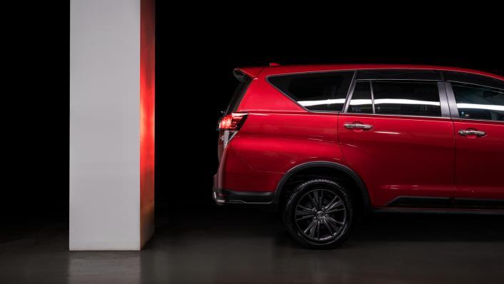 2021 Toyota Innova 2.0 X (AT) Exterior 010