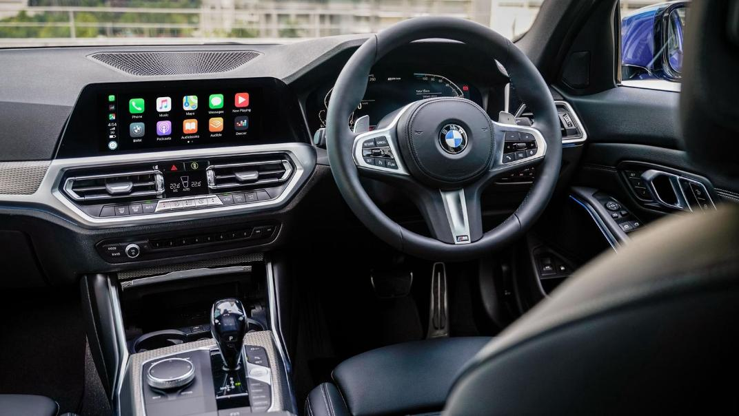 2020 BMW 3 Series 330e Interior 003