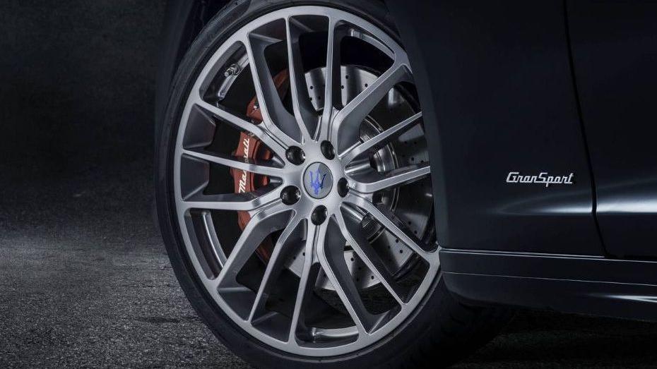 Maserati Quattroporte (2018) Exterior 009