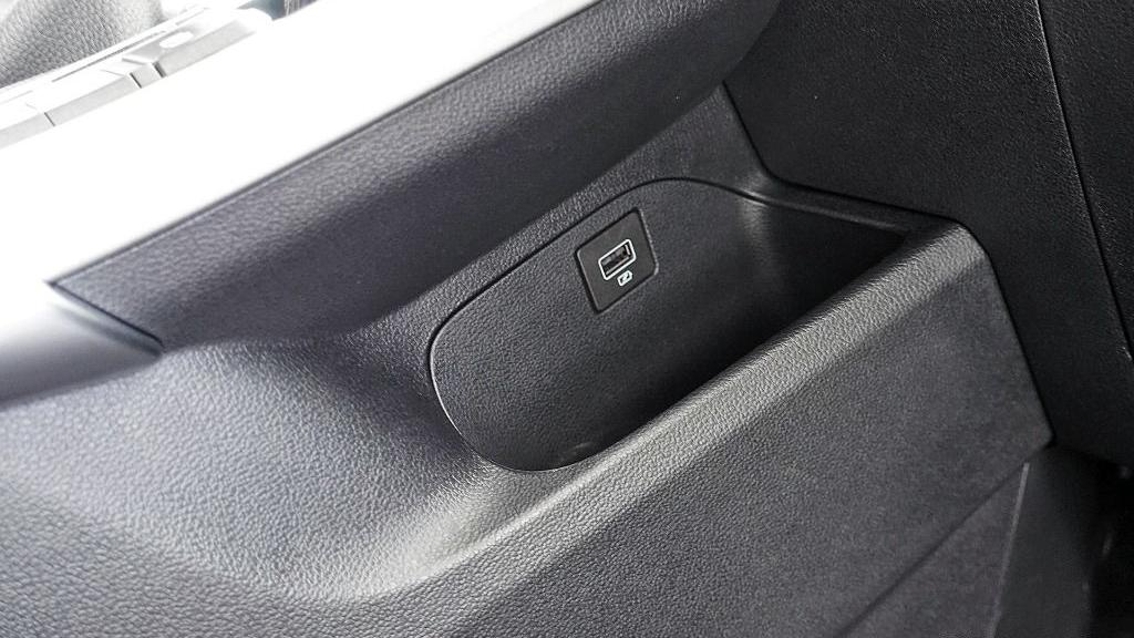 2018 Proton X70 1.8 TGDI Executive AWD Interior 038