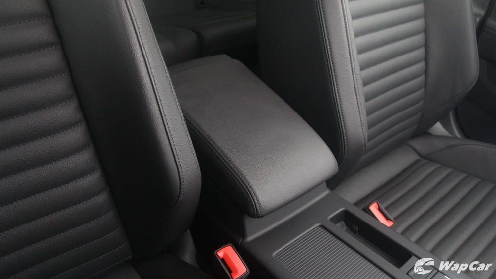 2018 Volkswagen Passat 2.0 TSI Highline Interior 030