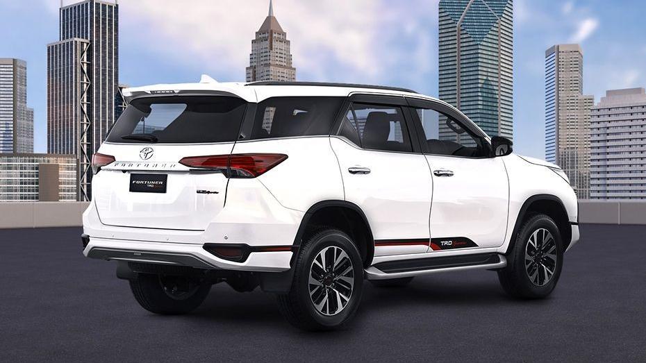 Toyota Fortuner (2018) Exterior 005
