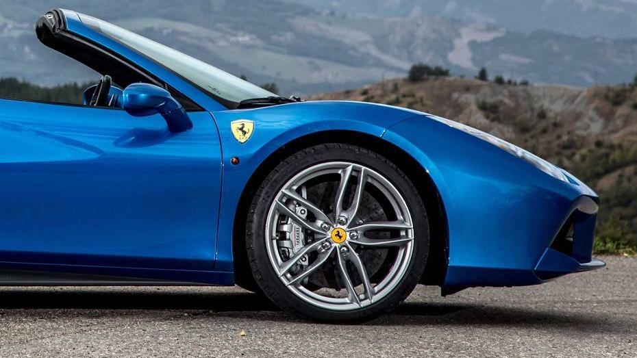 Ferrari 488 (2015) Exterior 016