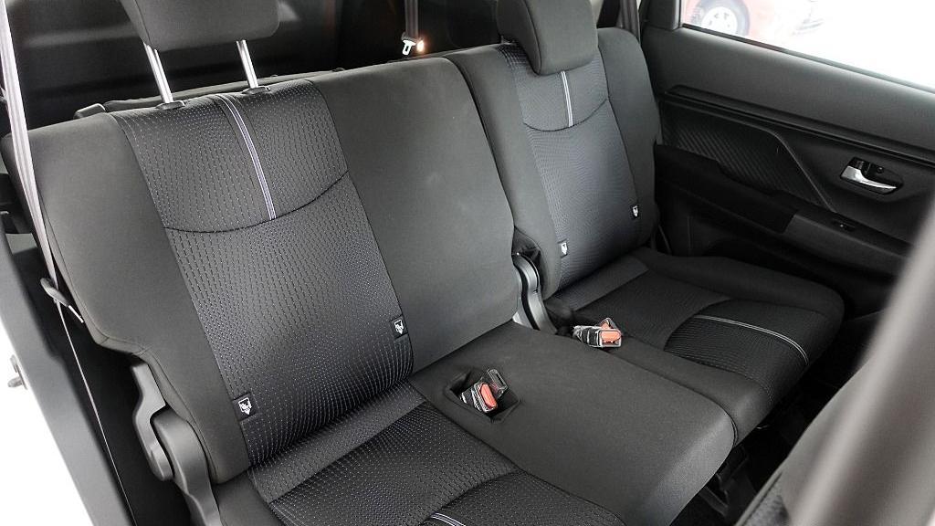 2019 Perodua Aruz 1.5 X Interior 044