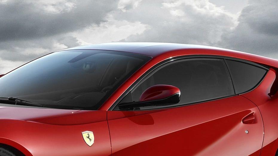Ferrari 812 Superfast (2017) Exterior 010