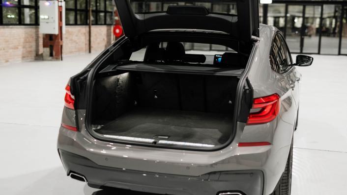2021 BMW 6 Series GT 630i M Sport Interior 010
