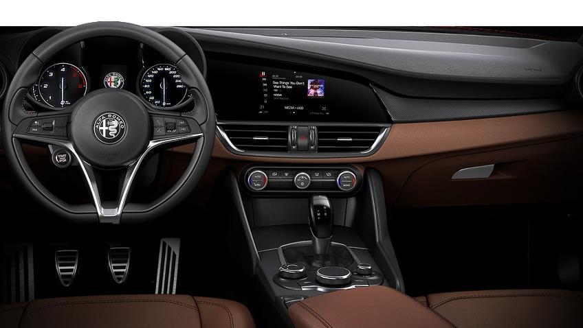 Alfa Romeo Giulia (2019) Interior 021