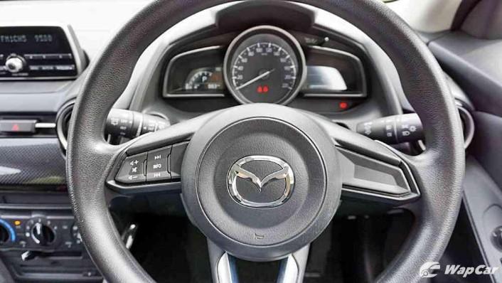 2018 Mazda 2 Hatchback 1.5 Hatchback GVC Mid-spec Interior 004