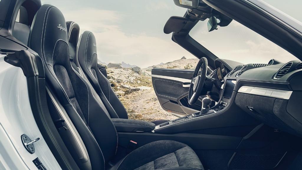2019 Porsche 718 718 Spyder Interior 004